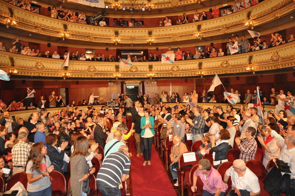 Acto público no Teatro Rosalía de Castro da Coruña