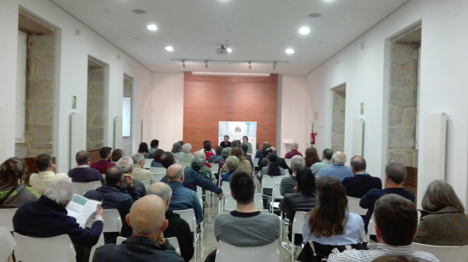 Foto do @bngferrol do acto sobre financiamento