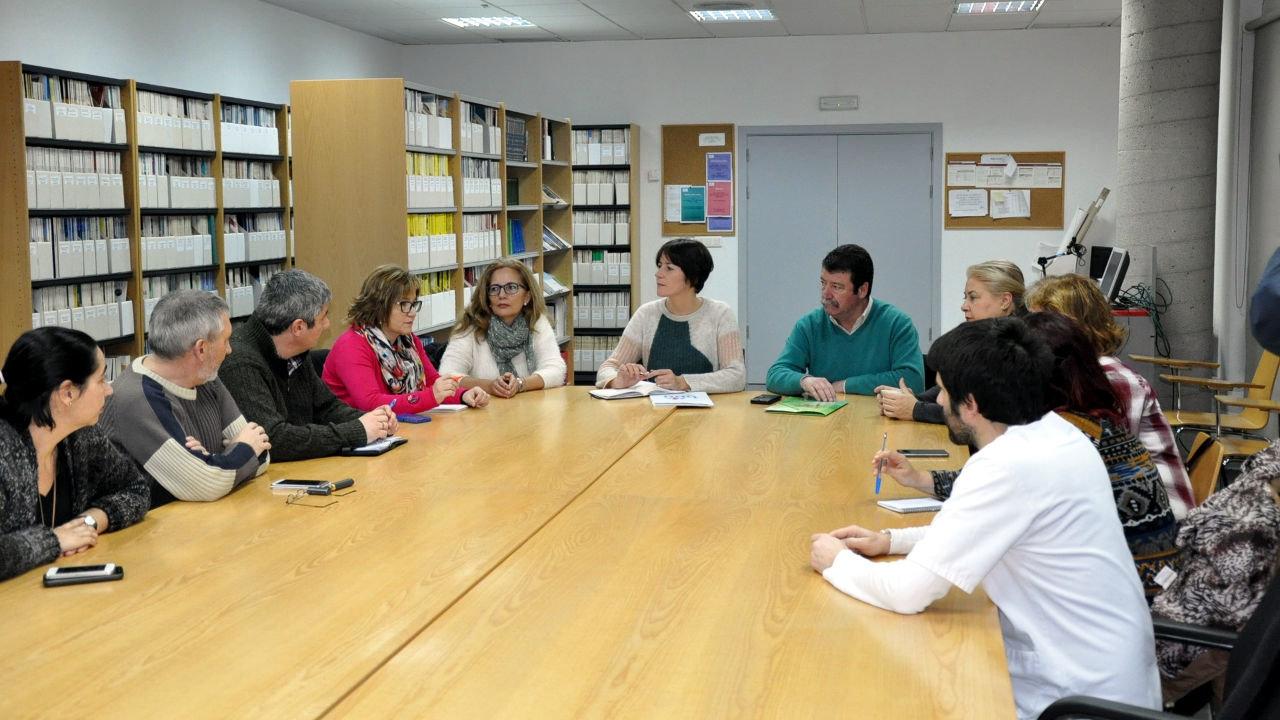 Ana Pontón reúnse coa xunta de persoal do Hospital do Salnés